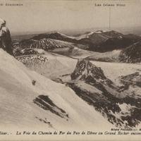 La voie du chemin de fer du Puy-de-Dôme encombrée par les neiges